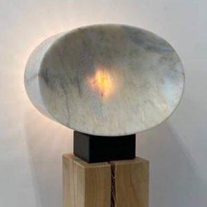 Marmor Lichtskulptur für den Außenbereich