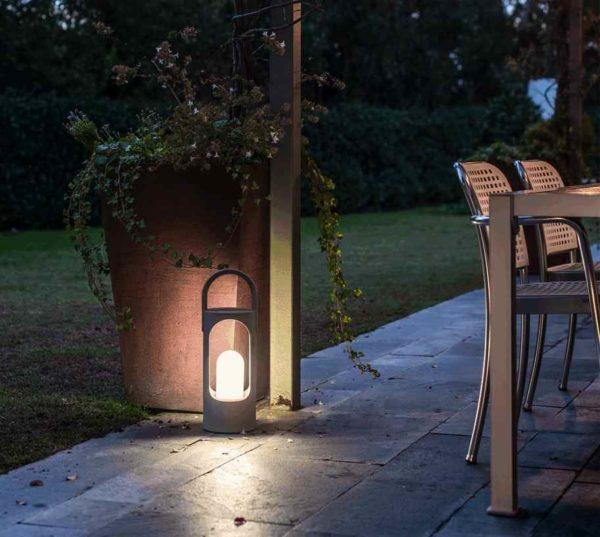 Transportable Terrassenleuchte für schönes Licht