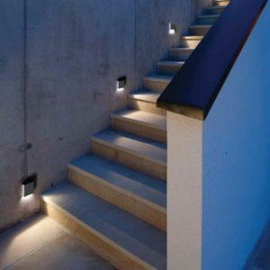 Moderne Treppenanlage außen beleuchten