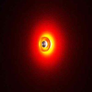 Wandeinbauleuchte aus Plexiglas rot leuchtend