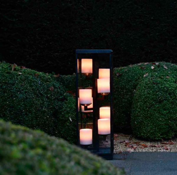 Romantische Außenbeleuchtung auf der Terrasse