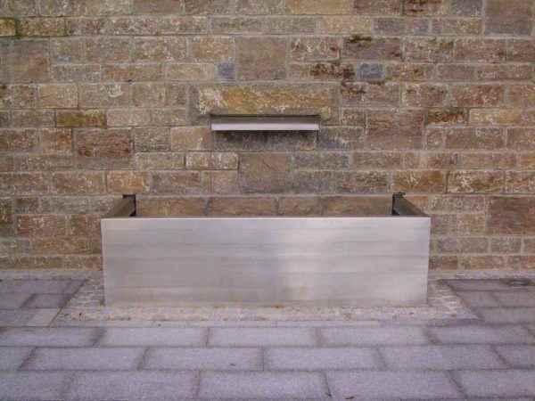 Exklusive Brunnenanlage für die Terrasse