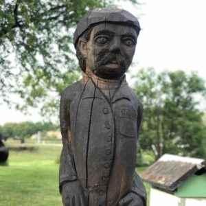 Große Skulpturen aus Holz gefertigt nach Vorlage