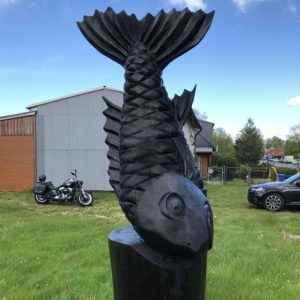Riesen Fisch Skulptur aus Holz