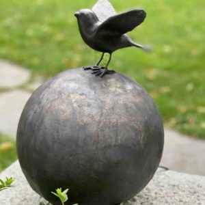 Vogel Gartenskulptur aus patiniertem Kupfer