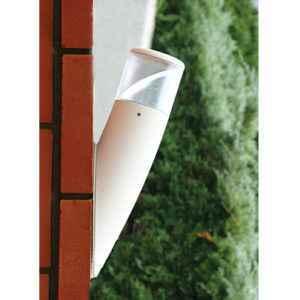 Weiße Außenwandleuchte mit verstellbarem Reflektor
