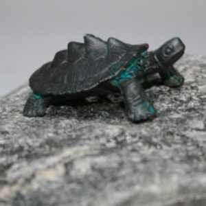 Gartenfigur kleine Wasserschildkröte
