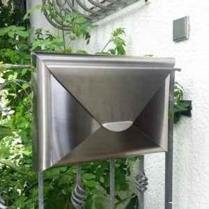 Besonderer Briefkasten aus Edelstahl