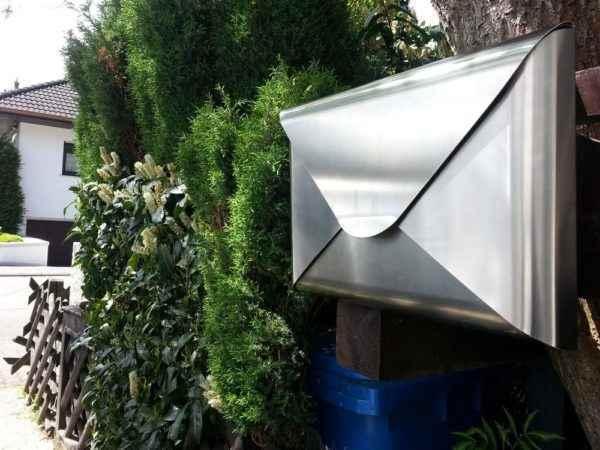 Briefkasten aus Edelstahl als Hingucker