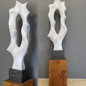 Kunstvolle Skulpturen für außen und innen