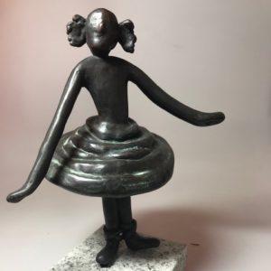 Figur tanzendes Mädchen