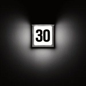 Quadratische Edelstahl Hausnummerleuchte