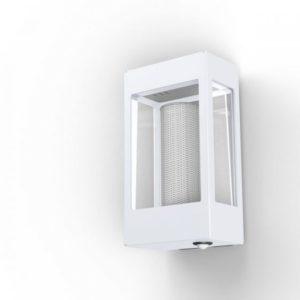 Weiße Außenlampe mit Bewegungsmelder