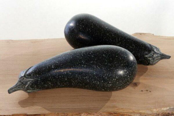 Künstlerische Frucht Skulpturen Auberginen aus echtem Stein für innen und außen