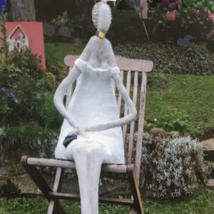 Traumfrau Lady Skulptur als Beton Skulptur
