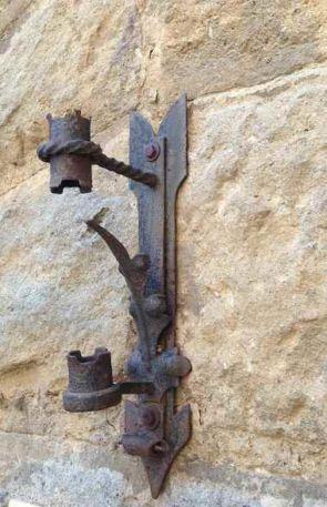 Antiker Fahnenhalter Stahl geschmiedet