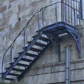 Alte Stahl Außentreppe