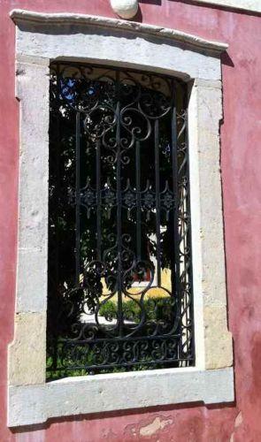Barockes altes Fenstergitter