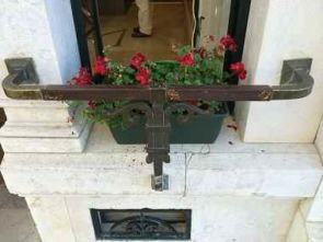 Fenster Balkon Blumengitter Bronze