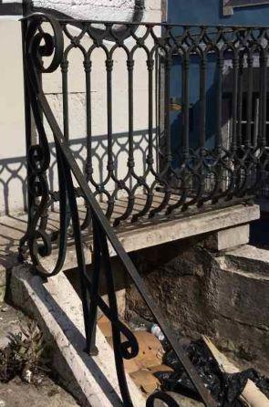 Geschmiedetes altes Treppengeländer