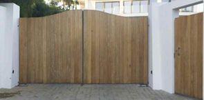 Moderne Holz Toranlage