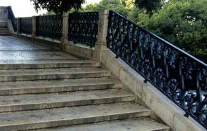 Prachtvolles altes geschmiedetes Treppengeländer