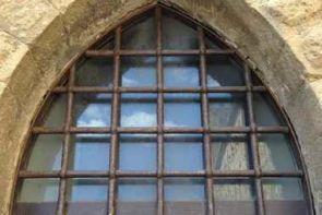 Massives Fenstergitter für außen als Absicherung