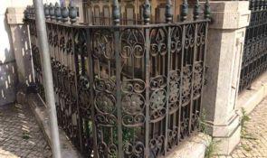 Historisches gebogenes Geländer