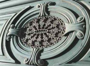 Wundervolles sehr altes Fenstergitter rund & verziert